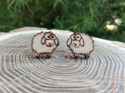 Drevené náušnice ovečky