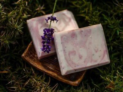 Vyživujúce mydlo s ovseným hodvábom a vanilkou